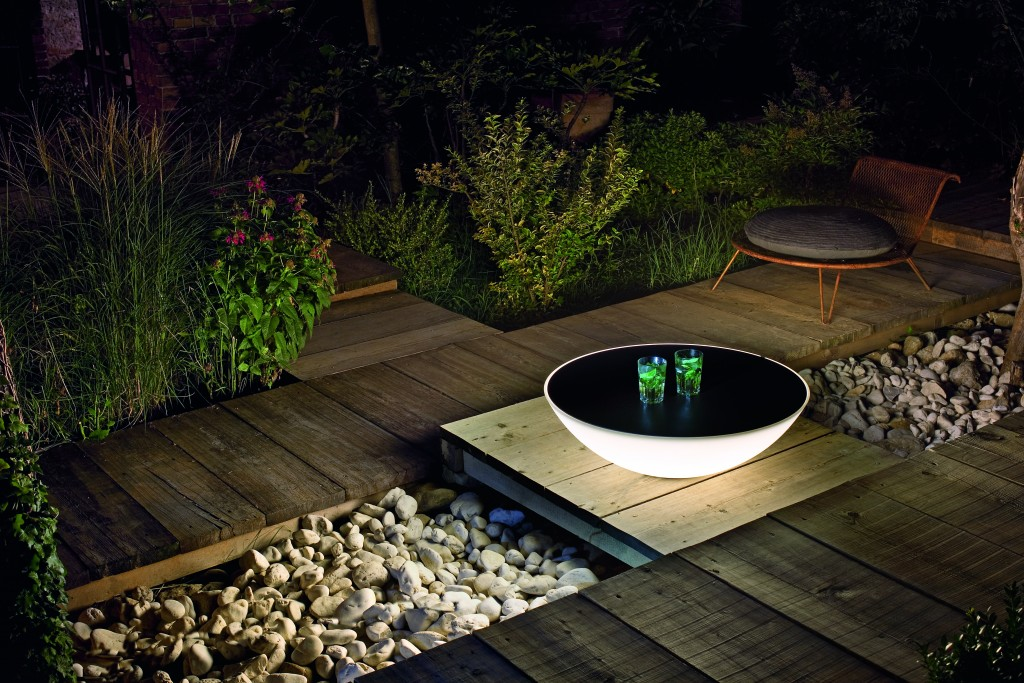 Solar_outdoor room set_
